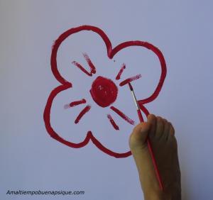 flor pintada con el pie
